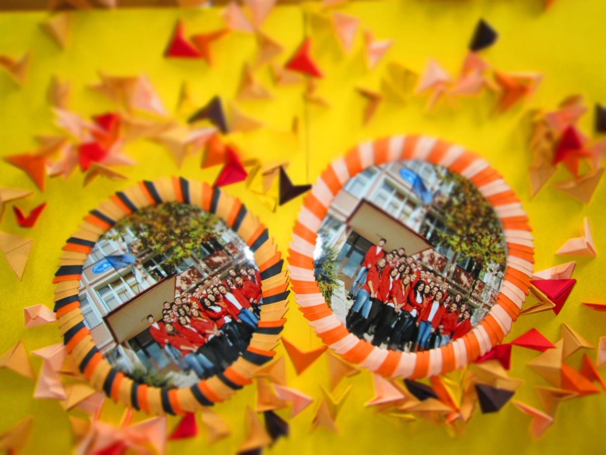 Cum se face o ramă foto origami?