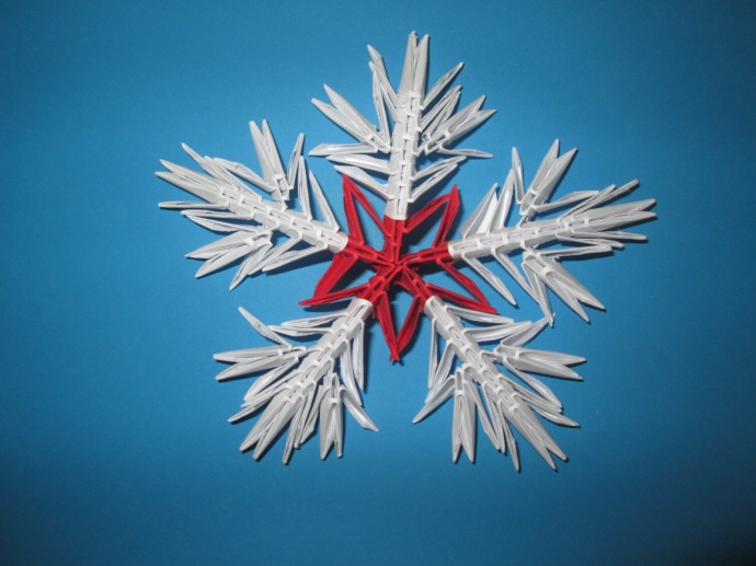 Tutorial de Crăciun: Cum se face un fulg de zăpadă origami 3D?